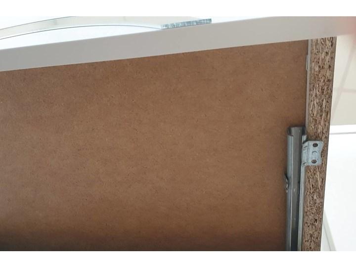 Biała nowoczesna komoda Dancan EVA   wysoki połysk Głębokość 38 cm Pomieszczenie Sypialnia Lustro Kolor Biały