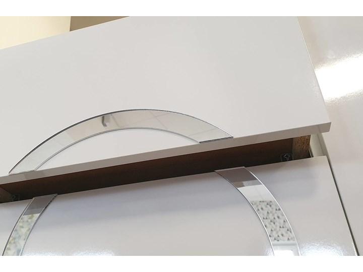 Biała nowoczesna komoda Dancan EVA   wysoki połysk Głębokość 38 cm Pomieszczenie Sypialnia Lustro Styl Minimalistyczny
