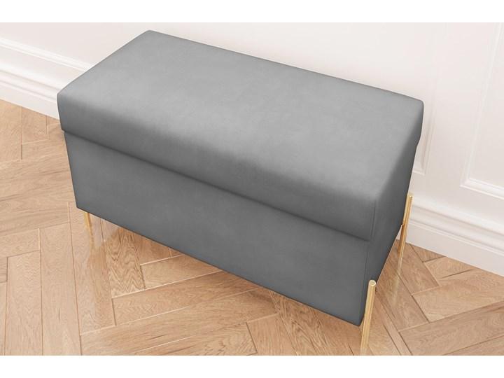 Jasnoszara tapicerowana ławka Dancan BORGO z pojemnikiem, na złotych metalowych nogach Styl Minimalistyczny