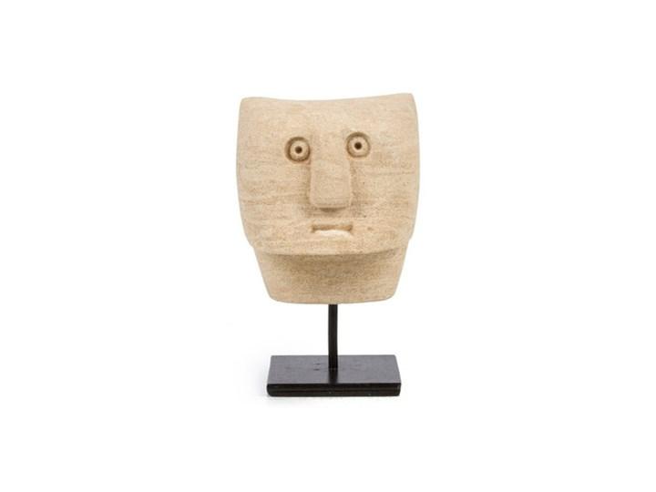 Dekoracja stojąca figurka Sumba-23 z piaskowca BAZAR BIZAR Kamień Ludzie Metal Kategoria Figury i rzeźby