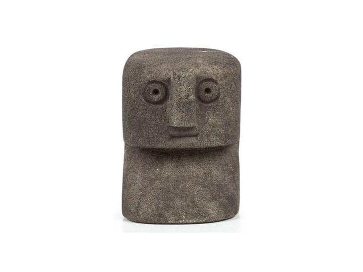Dekoracja stojąca figurka Sumba-14 z piaskowca BAZAR BIZAR Kategoria Figury i rzeźby Kamień Ludzie Kolor Szary