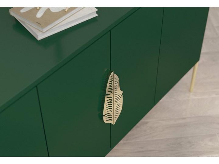 Zielona komoda Skandica MERLIN ze złotymi dodatkami Płyta MDF Wysokość 79 cm Szerokość 138 cm Głębokość 40 cm Styl Nowoczesny
