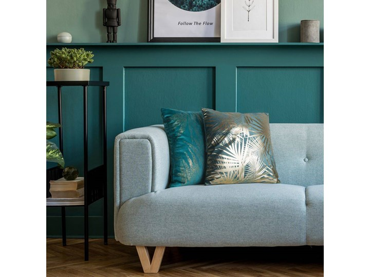 Poszewka na poduszkę zielona zdobiona złotym nadrukiem w rozmiarze 45x45 z miękkiej tkaniny velvet 45x45 cm Kolor Zielony Poszewka dekoracyjna Poliester Pomieszczenie Salon