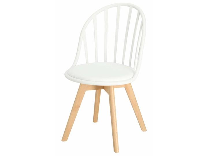 SELSEY Krzesło Taddeus białe z siedziskiem z ekoskóry na drewnianych nogach Krzesło inspirowane Skóra ekologiczna Tworzywo sztuczne Drewno Styl Nowoczesny
