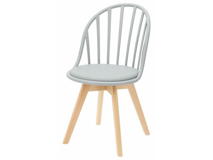 SELSEY Krzesło Taddeus szare z siedziskiem z ekoskóry na drewnianych nogach Tapicerowane Tworzywo sztuczne Pomieszczenie Jadalnia Skóra ekologiczna Drewno Kategoria Krzesła kuchenne