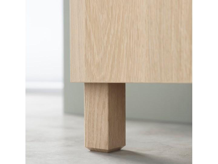 IKEA BESTÅ Kombinacja z drzwiami, Dąb bejcowany na biało/Selsviken/Stubbarp wysoki połysk beż, 180x42x74 cm Wysokość 42 cm Szerokość 180 cm Z szafkami Drewno Płyta MDF Głębokość 42 cm Styl Nowoczesny