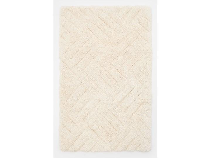 Sinsay - Dywanik łazienkowy 50x80 - Kremowy Kolor Beżowy 50x80 cm Kategoria Dywaniki łazienkowe