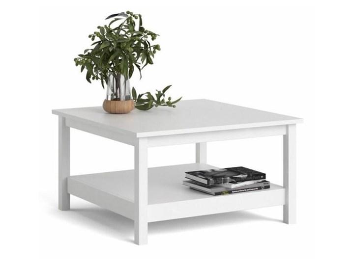 Kwadratowy stolik kawowy z półką Madrid biały mat Rodzaj nóg Kółka Wysokość 81 cm Szkło Wysokość 45 cm Funkcje Z półkami