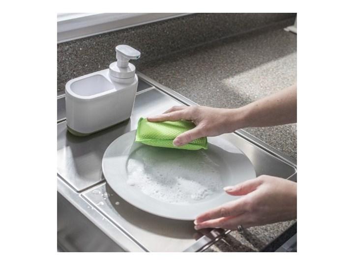 Biało-zielony dozownik do mydła Addis Tworzywo sztuczne Dozowniki Kolor Biały Kategoria Mydelniczki i dozowniki