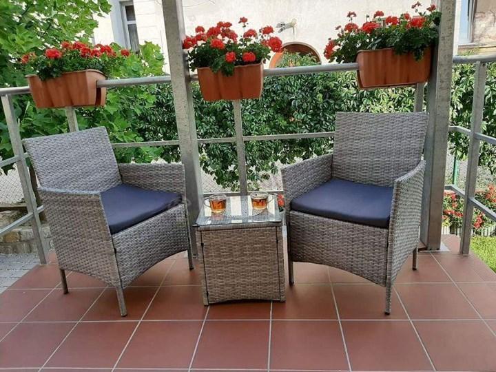 Meblobranie Janoszare meble balkonowe z technorattanu Flavio Duo Grey Kolor Szary Stoły z krzesłami Kolor Beżowy