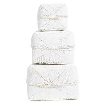 Zestaw 3 białe ozdobne koszyki Beaded White z bambusa i koralików BAZAR BIZAR