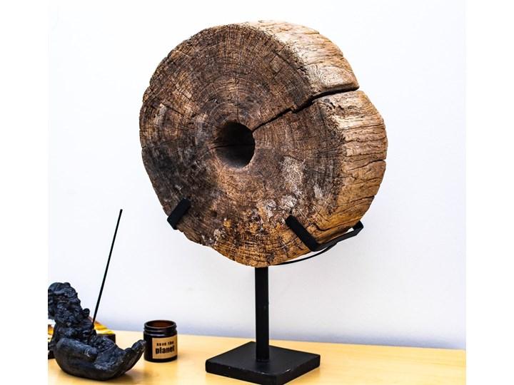 Drewniana dekoracja ze stojakiem Kategoria Figury i rzeźby Metal Drewno Kolor Czarny