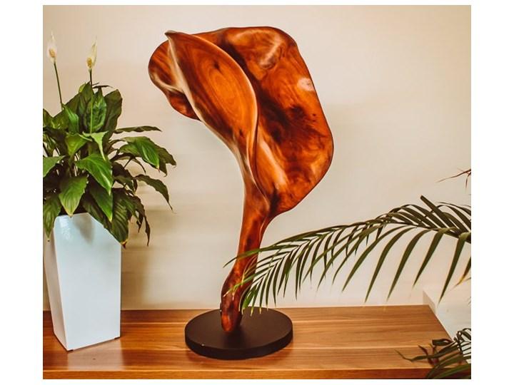 Rzeźba THE LILY FLOWER Kategoria Figury i rzeźby Kolor Czarny