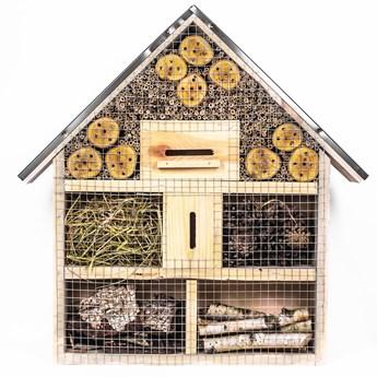 Drewniany hotel dla owadów