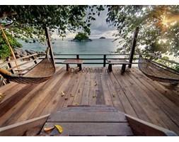 Fototapeta F3745 - Taras z hamakami i widokiem na morze 2
