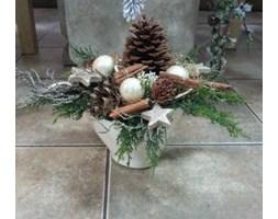 Kompozycja świąteczna z szyszkami 1