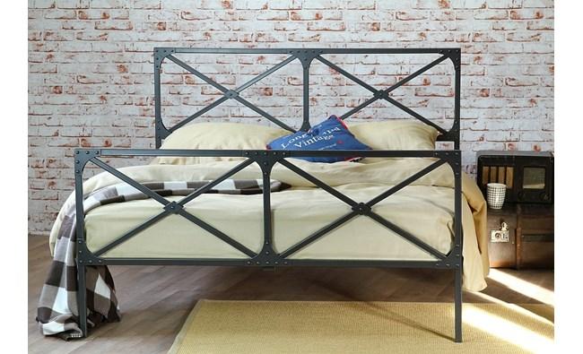 """Łóżko industrialne """"Loft"""" z dwoma szczytami"""
