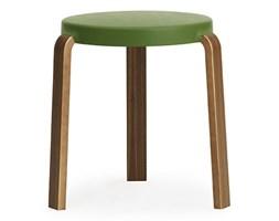 Normann Copenhagen Tap Stool - oliwkowy taboret z miękkim siedziskiem i orzechowymi nogami