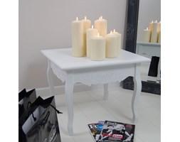 Kwadratowy stolik, seria Meridian, gięte nogi, rzeźbiony motyw kwiatowy, matowa biel.