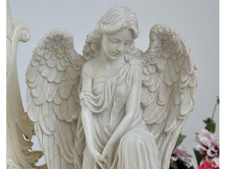 Niespotykana Figura Klęczącego Anioła