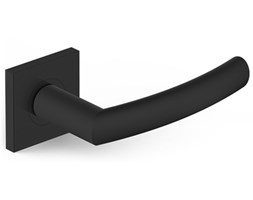 Czarne klamki do drzwi wewnętrznych PROXIMA z kwadratowym szyldem