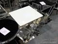 STOLIK JJ-1032 50x50x51cm BIAŁY Rozmiar blatu 50x50 cm Metal Prostokątne Szkło Wysokość 51 cm Rodzaj nóg Krzyżak