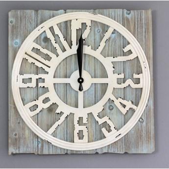 Rustykalny zegar ścienny, duża tarcza.
