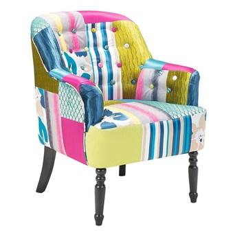 Fotel wielokolorowy tapicerowany materiałem pikowany guzikami patchwork ozdobne czarne nóżki