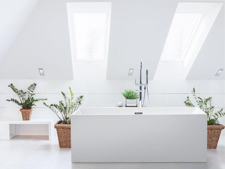 Wanna wolnostojąca biała akrylowa 170 x 81 cm system przelewowy prostokątna współczesna Symetryczne Wolnostojące Długość 170 cm Kolor Biały