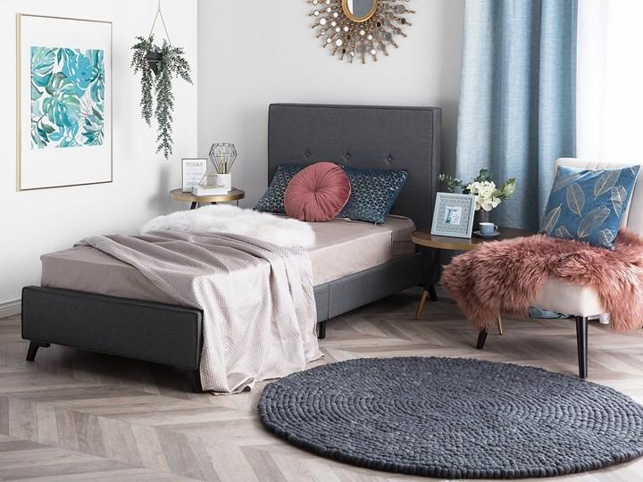 Łóżko szare tapicerowane 90 x 200 cm ze stelażem i wezgłowiem z ozdobnymi guzikami Łóżko tapicerowane Kategoria Łóżka do sypialni Kolor Szary