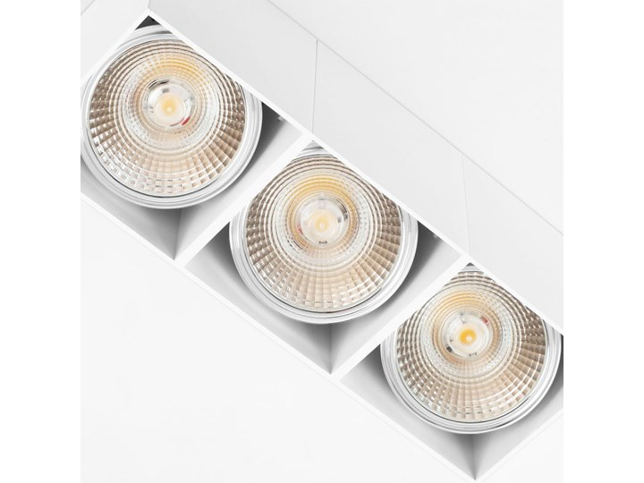 Potrójna ruchoma sufitowa oprawa natynkowa w kolorze białym AR ES111 Oprawa ruchoma Oprawa stropowa Prostokątne Oprawa halogenowa Kategoria Oprawy oświetleniowe