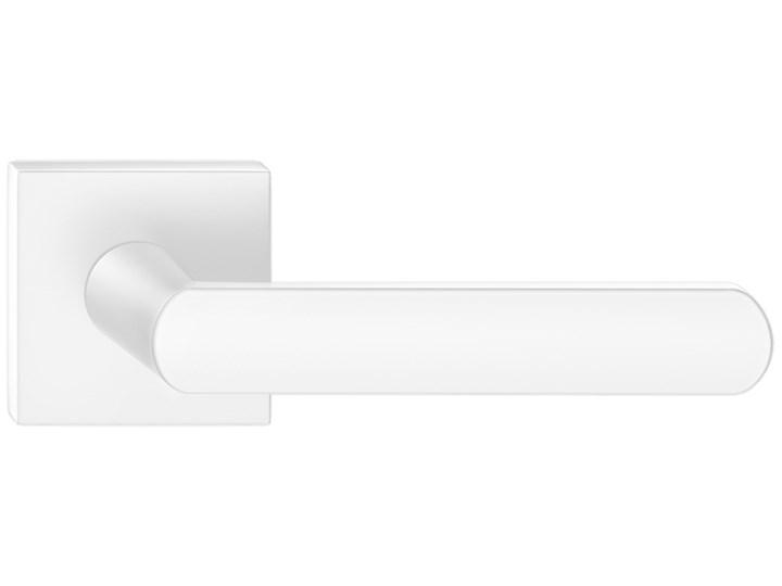 Biała, minimalistyczna klamka ICONA Q renomowanej marki CORONA, do drzwi wewnętrznych