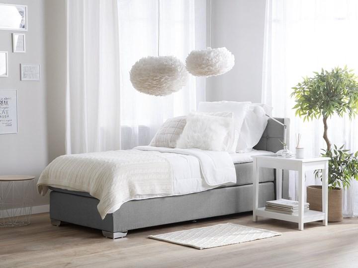 Łóżko kontynentalne jasnoszare tapicerowane 90 x 200 cm jednoosobowe z materacem i pikowanym zagłówkiem Łóżko tapicerowane Kategoria Łóżka do sypialni Kolor Szary