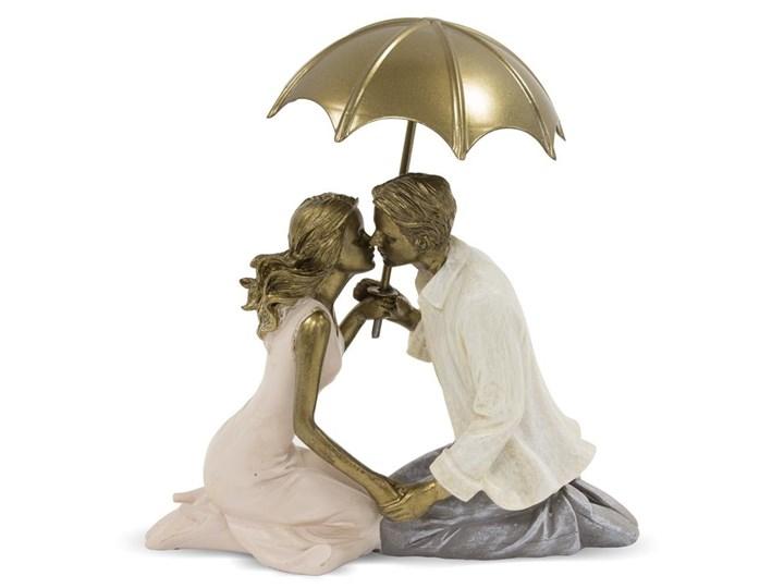 Siedząca Para Pod Parasolem Figurka Dekoracja Wys 17 Cm