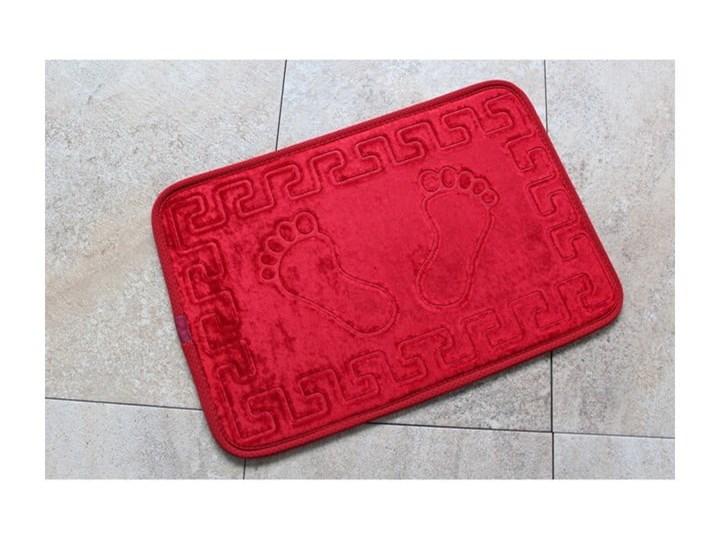 Czerwony dywanik łazienkowy z motywem stóp Feet Feet, 60x40 cm 40x60 cm Kategoria Dywaniki łazienkowe