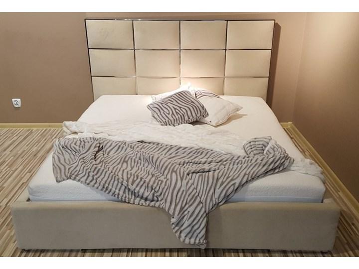 Beżowe łóżko Selene Tapicerowane Stal Nierdzewna łóżka Do