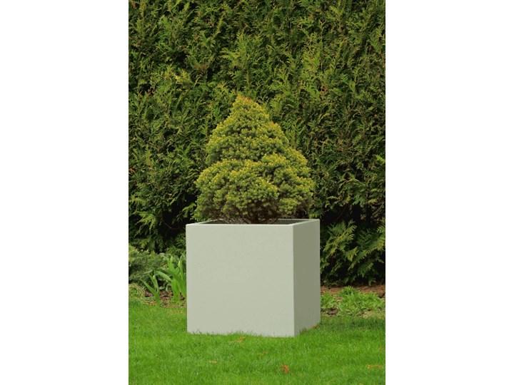 Podświetlana kwadratowa donica z włókna szklanego Kama Cube z podwójnym dnem i kółkami, szara, bezprzewodowa