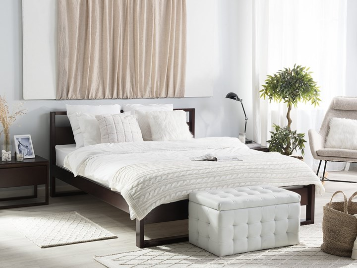 Łóżko ze stelażem ciemne drewno sosnowe 140 x 200 cm z zagłówkiem styl retro Łóżko drewniane Kolor Brązowy