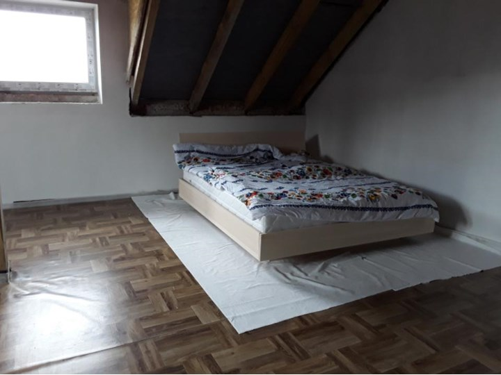 Ballega łóżko bukowe lewitujące, rozmiary 140x200, 160x200, 180x200 Łóżko drewniane Rozmiar materaca 160x200 cm Kolor Beżowy