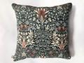 Poduszka kwiatowy wzór, proj. tkaniny W. Morris, Sztuka Wyboru Bo