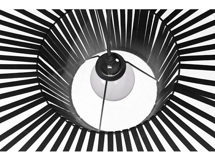 Lampa Capello z wygiętym kloszem insp. Vertigo Lampa z kloszem Lampa druciana Stal Metal Kategoria Lampy wiszące Tworzywo sztuczne Kolor Czarny