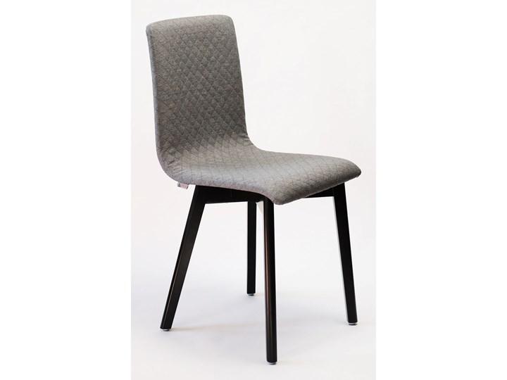 GRIM krzesło drewniane czarna rama, jasno-szara pikowana tkanina Tapicerowane Szerokość 42 cm Pikowane Głębokość 41 cm Wysokość 86 cm Głębokość 38 cm Drewno Pomieszczenie Biuro i pracownia Styl Klasyczny
