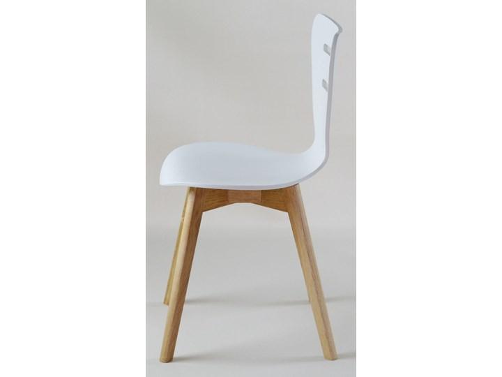 DORIS W krzesło drewniane białe, dębowa rama Wysokość 82 cm Głębokość 40 cm Drewno Głębokość 43 cm Szerokość 43 cm Styl Klasyczny