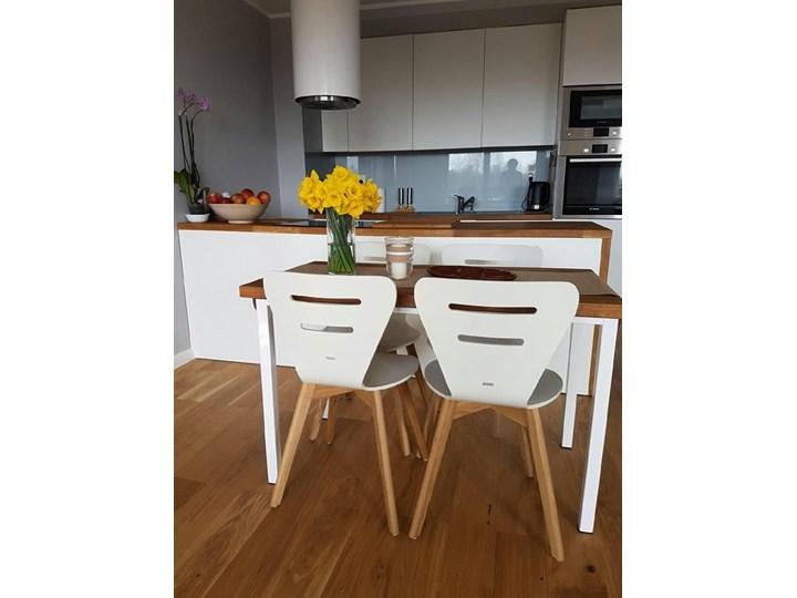 DORIS W krzesło drewniane białe, dębowa rama Wysokość 82 cm Drewno Głębokość 40 cm Szerokość 43 cm Styl Klasyczny Głębokość 43 cm Pomieszczenie Jadalnia