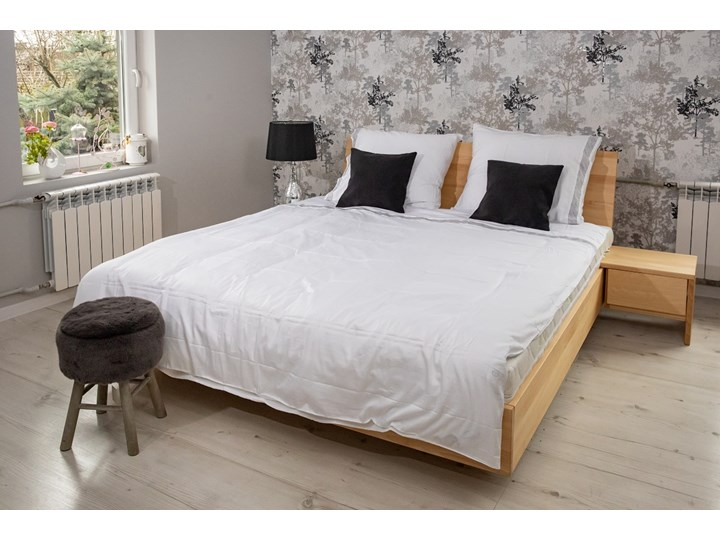 Zestaw: Ballega łóżko bukowe lewitujące 160x200 cm w kolorze jasny orzech plus dwie szafki Pomieszczenie Sypialnia Kategoria Zestawy mebli do sypialni
