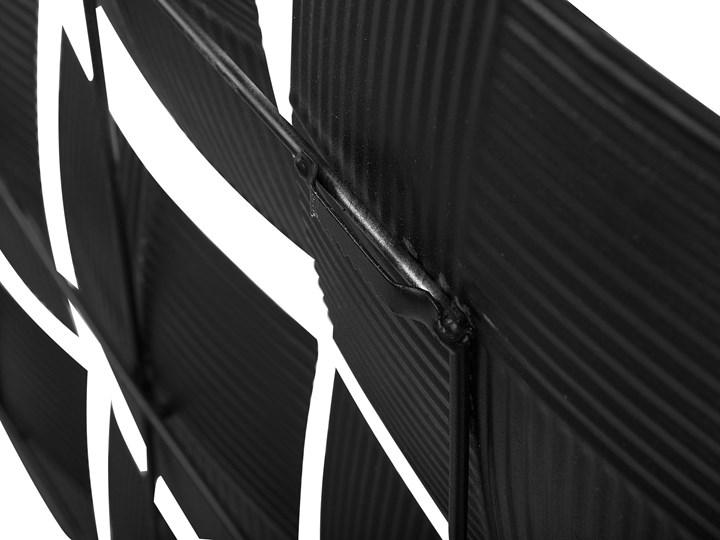 Dekoracja ścienna wisząca biało-czarna metalowa 50 x 50 cm geometryczna ozdoba w kwadraty Kolor Biały Kolor Czarny
