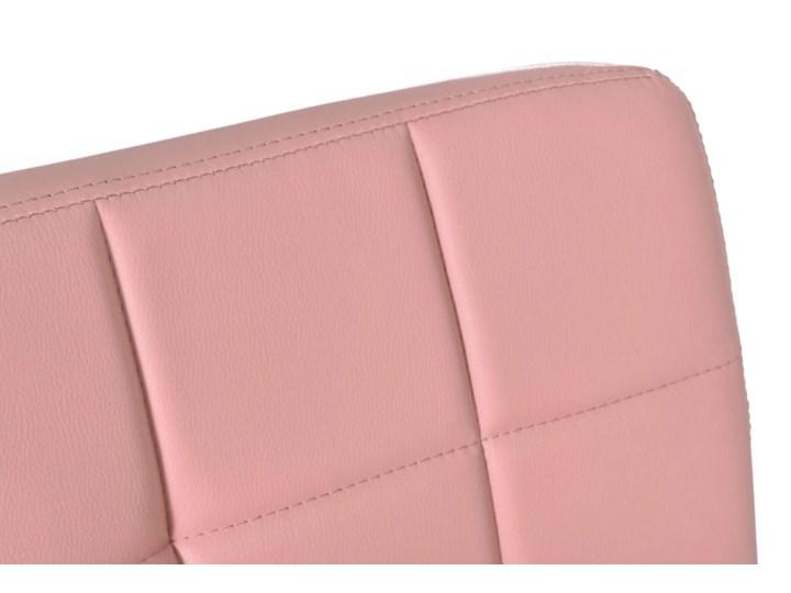 Fotel obrotowy Ritmo- różowy Metal Szerokość 54 cm Tkanina Skóra ekologiczna Wysokość 98 cm Głębokość 39 cm Głębokość 54 cm Szerokość 42 cm Pomieszczenie Biuro i pracownia