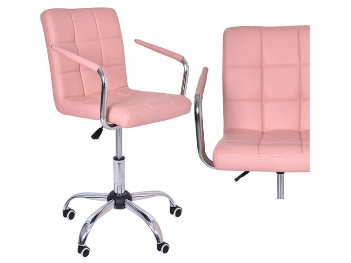 Fotel obrotowy Ritmo- różowy Pomieszczenie Biuro i pracownia Tkanina Szerokość 42 cm Szerokość 54 cm Skóra ekologiczna Wysokość 98 cm Głębokość 39 cm Głębokość 54 cm Metal Kategoria Fotele do salonu