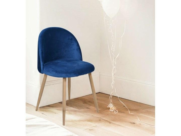 Krzesło tapicerowane Jazz Velvet granatowy Wysokość 78 cm Welur Głębokość 48 cm Tkanina Drewno Wysokość 79 cm Szerokość 49 cm Krzesło inspirowane Metal Tworzywo sztuczne Kategoria Krzesła kuchenne