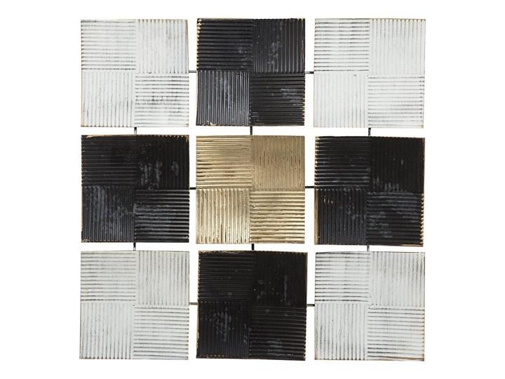 Dekoracja ścienna wisząca biało-czarna metalowa 50 x 50 cm geometryczna ozdoba w kwadraty Kolor Czarny Pomieszczenie Salon